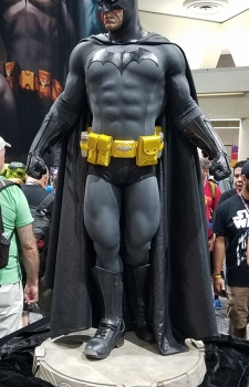 Bat_Statue